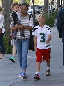 Apollo Rossdale Photos Photos - Gwen Stefani and Family ...
