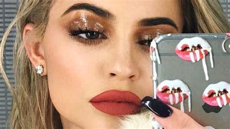 kylie jenner wet eyeshadow makeup tutorial youtube