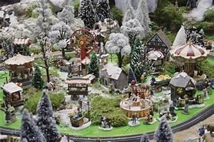 Village De Noel Miniature : creation d 39 un village miniature inspirations desjardins ~ Teatrodelosmanantiales.com Idées de Décoration