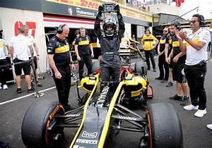 Saudi woman drives F1 car on historic day - Sports - The ...