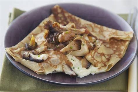 recette pate crepes salees recettes cr 234 pes sal 233 es par l atelier des chefs