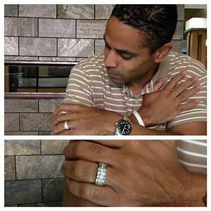 men wearing wedding rings hot robbins brothers blog With celebrity men wedding rings