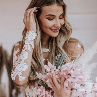 influencer ana johnson   beautiful olvis wedding gown