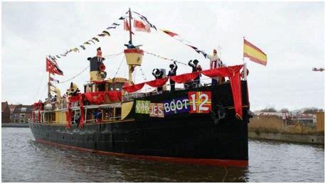 bezoek pakjesboot  de enige echte stoomboot van sinterklaas hoorngids de nieuwsbron voor