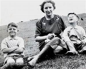 paul mccartney mini biography and unseen rare childhood ...