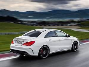 Mercedes Classe A 2014 : 2014 mercedes cla 45 amg first photos leaked autoevolution ~ Medecine-chirurgie-esthetiques.com Avis de Voitures