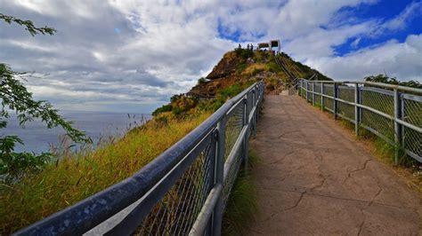 diamond head  hawaiis top outdoor attraction