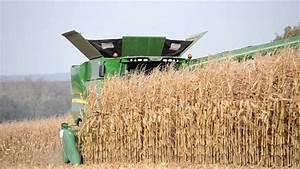 NEW John Deere S690i - Corn Harvest - YouTube