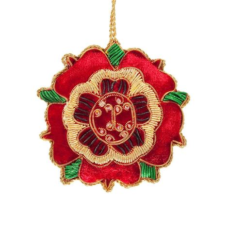 tree decoration tudor rose   couple