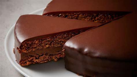 recette de cuisine pour anniversaire recette de gâteau d 39 anniversaire au chocolat doux de