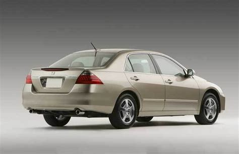 2006 Honda Accord Reviews by Car Review 2006 Honda Accord Hybrid Driving