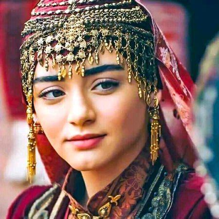 Explore tweets of bala hatun @balahatun_ke on twitter. Bala Hatun / This Is How Bala Hatun From Kurulus Osman Looks Like In Real Life Pictures Lens ...