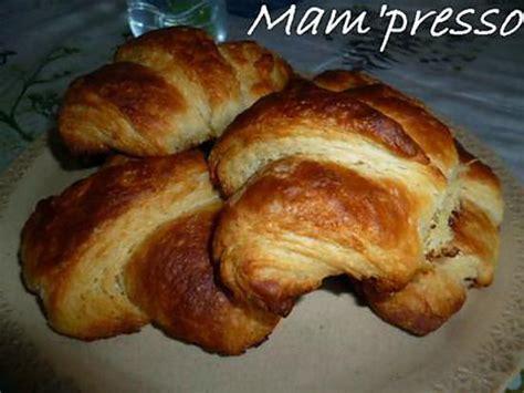 recette croissant avec pate feuillete recette de croissants avec p 226 te feuillet 233 e lev 233 e rapide