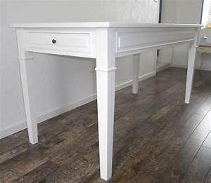 Table de cuisine salle a manger peinte blanche anjoudeco for Deco cuisine avec table salle À manger largeur 70 cm