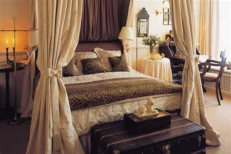 Cheetah Bedroom Decor - trends in home decorating bring animal prints into
