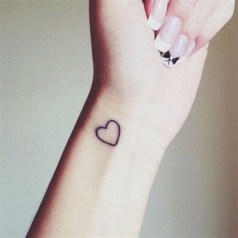 tatouage discret tatouage discret juste un peu d encre tattoome le meilleur du tatouage