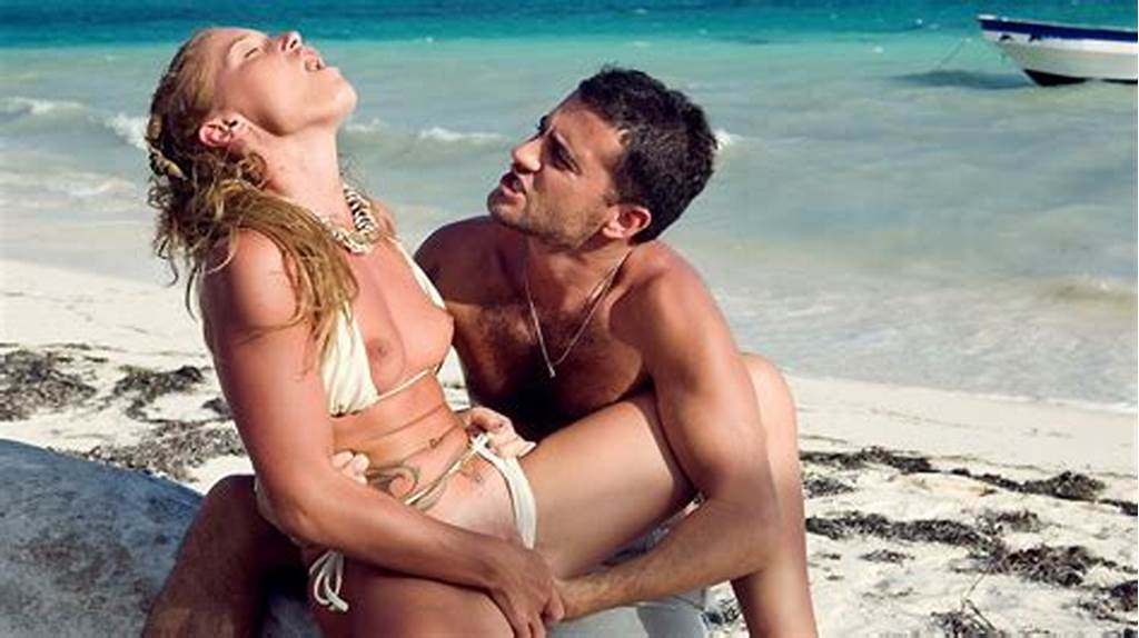 #This #Couple #Relaxes #On #The #Tropical #Beach #And #Has #Oral #Sex