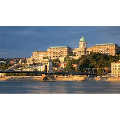Buda Castle Pictures: View Photos & Images of