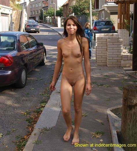 Cute girl goes naked in public | Indecent Images