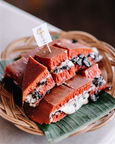 Tentunya membuat martabak mini sendiri juga akan lebih murah daripada kamu membelinya. MARTABAK WARISAN T.B. SIMATUPANG JAKARTA - eatandtreats - Indonesian Food and Travel Blogger ...