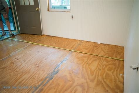 hit the floor 11 xi where to start laying laminate flooring in a room 28 images unique tile and laminate