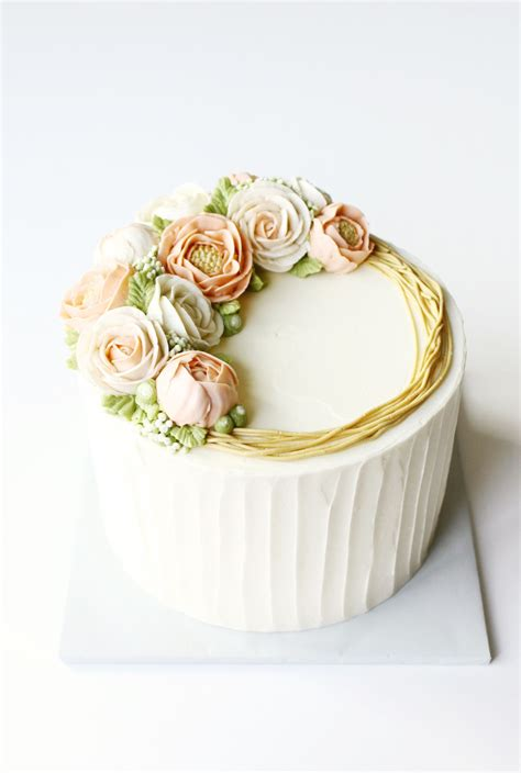 cake trends blooming buttercream buttercream flowers