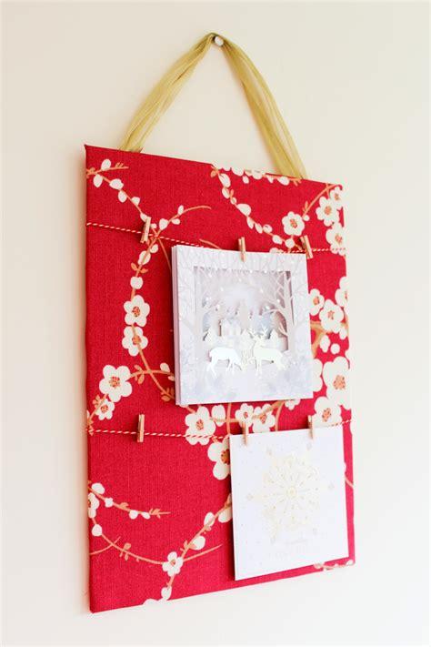 hanging cards on wall make do diy christmas card display