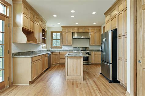 kitchen cabinets with light wood floors 43 quot new and spacious quot light wood custom kitchen designs 9838