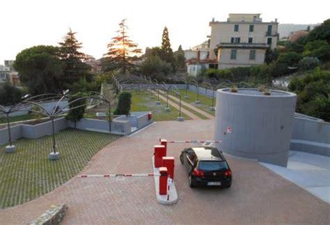 Contratto Affitto Box Auto by Affitto Box Posto Auto Genova Ge Rif Box Nervi