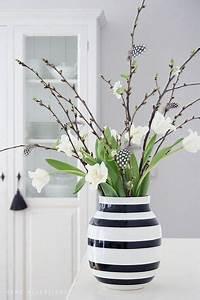 Künstliche Zweige Für Bodenvase : k hler omaggio vase schwarz wei gestreift home decoration pinterest schwarz wei e ~ Orissabook.com Haus und Dekorationen