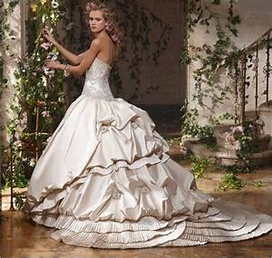 Huge ball gown wedding dressescherry marry cherry marry for Huge wedding dresses