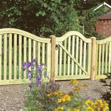 your own decorative garden fencing margarite gardens