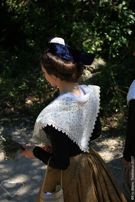 charte costume darles contemporain tradicioun
