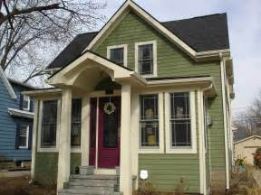 Images of Houses with Green Vinyl Siding