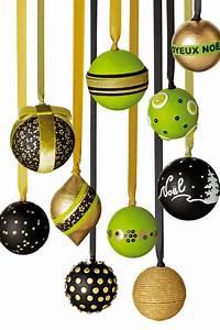 Boule De Noel Verte : boules de no l en polystyr ne d cor la main marie claire ~ Teatrodelosmanantiales.com Idées de Décoration