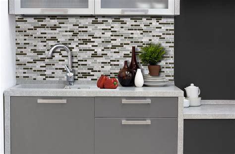 carrelage mural adhesif pour cuisine inspirations photos un carrelage mural adhésif pour la cuisine smart tiles