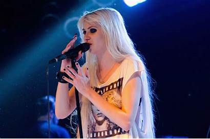 Momsen Taylor Wallpapers Blogthis Email