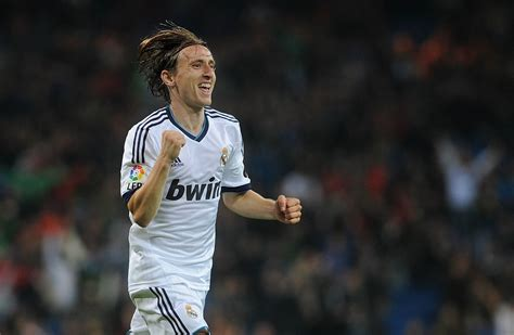 luka modric wallpapers images  pictures backgrounds