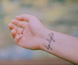 Tatuaggio Sul Polso Interno by Tatuaggi Piccoli Sul Polso A Chi Rivolgersi Grandi Offerte