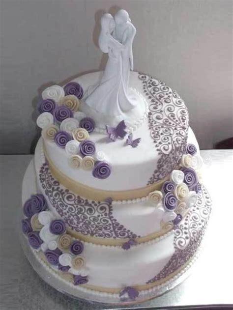 hochzeits torte lila ornamente auf jade