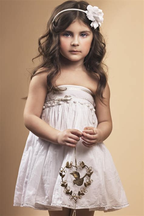 28 easy first communion hairstyles for girls that stole