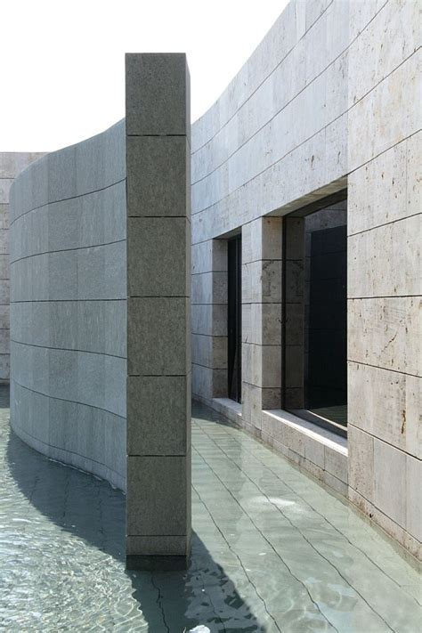 Astonishing Spanish Home Design With Futuristic And