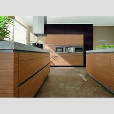 Küche  Modern  Holz  Grifflos Granitarbeitsplatte