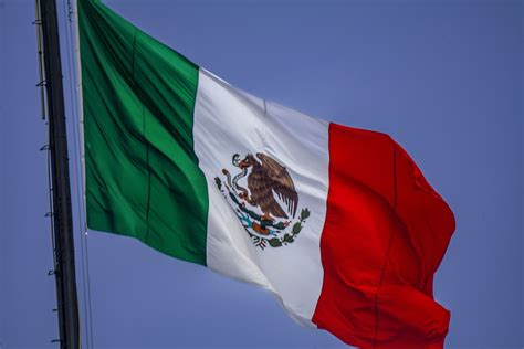 what do the colors of the mexican flag history and meaning of the mexican flag