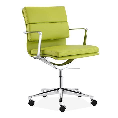 chaise de bureau verte chaise de bureau vert par cult living cult furniture fr