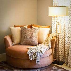 Master, Bedroom, With, Reading, Chair, For, Kids, Six, Walls, Simple, Chairs, Area, Lights, In, Nook, Accessory