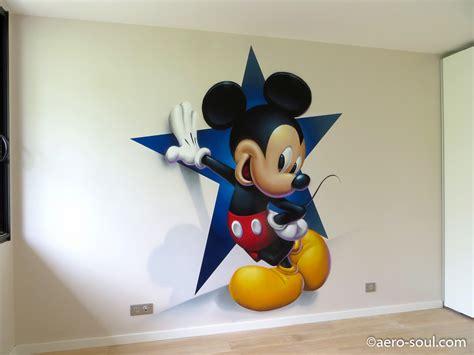 chambre mickey affordable en scne le clbre personnage phare de walt