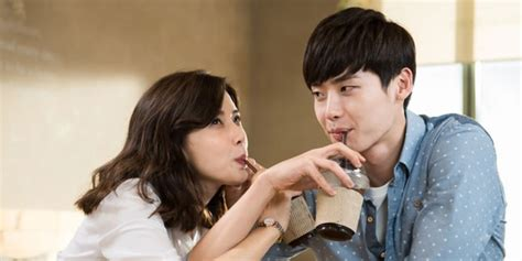 lee jong suk 5 aktor pria korea yang paling bikin wanita