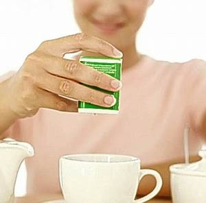 Sweeteners could make you PILE ON the pounds | Daily Mail ...