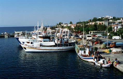 Port Boat by File Fishing Boats Port Samothraki Jpg Wikimedia Commons